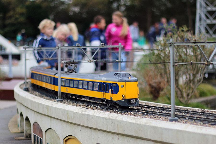 네덜란드 주요 기차역 플랫폼에 티켓이 없으면 입장 불가능해지다