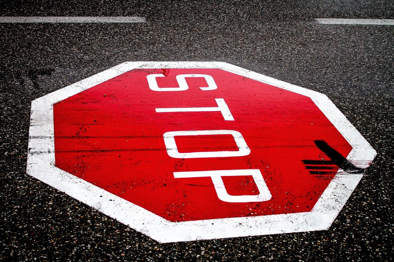stop-2660762_1280.jpg