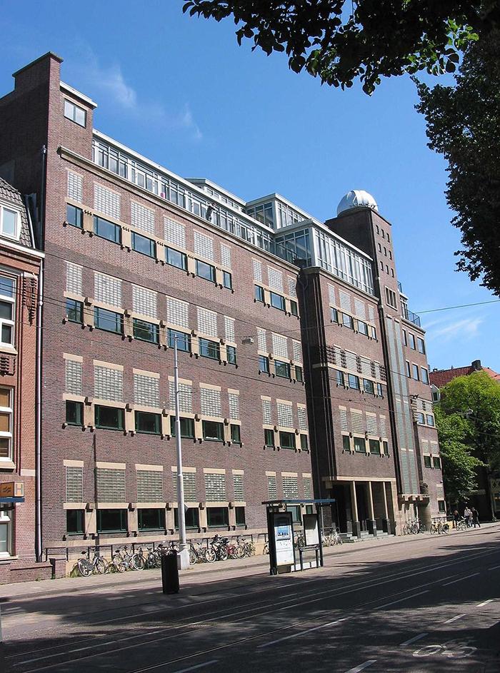 1024px-De_Lairessestraat_176-180.jpg