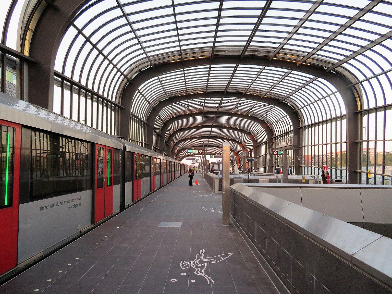 암스테르담 북쪽으로 가는 열차가 개통되다!