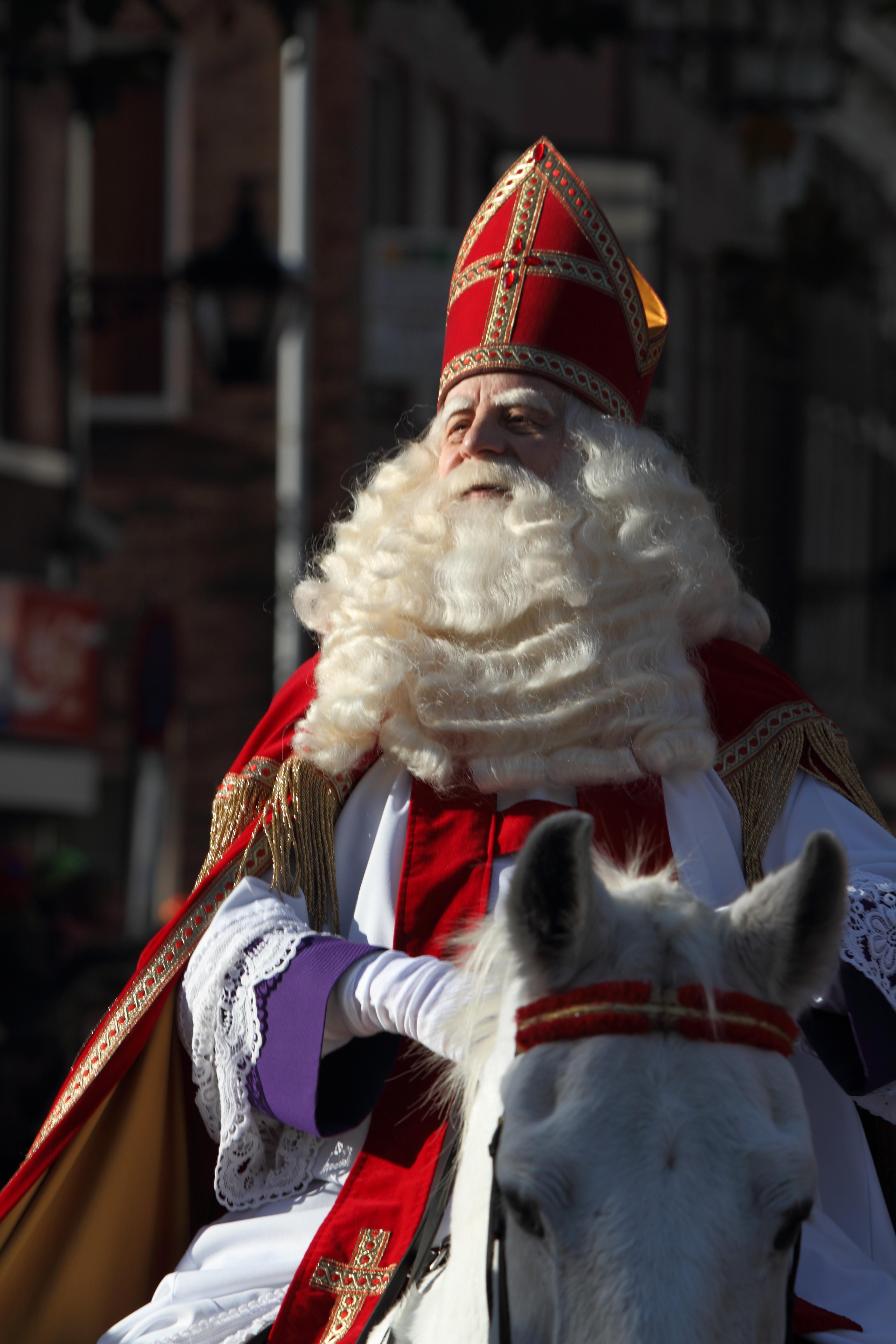 Intocht_van_Sinterklaas_in_Schiedam_2009_(4102602499)_(2).jpg