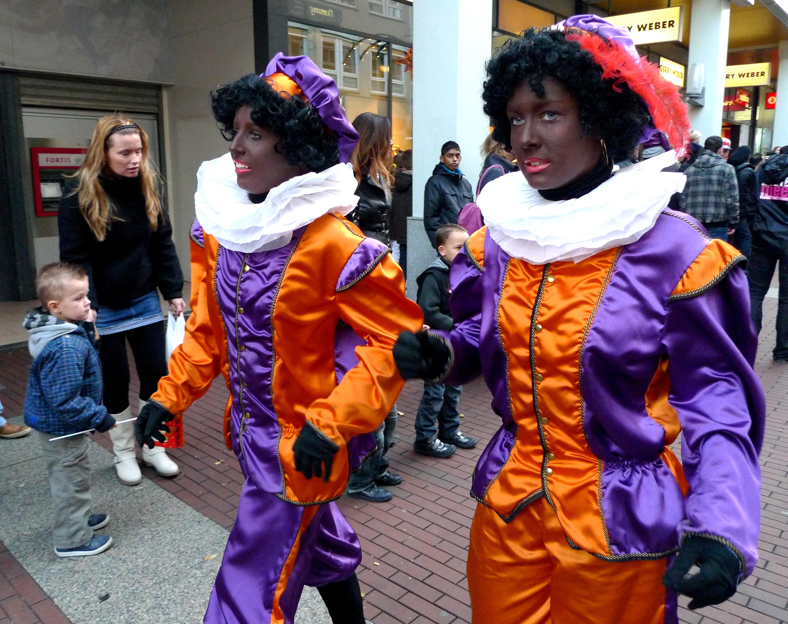 네덜란드에서 논란이 되고 있는 전통, Sinterklaas와 Zwarte Piet