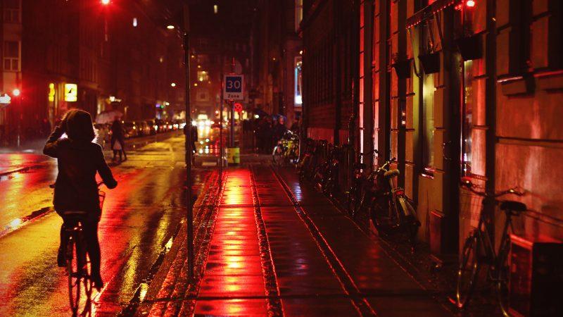 네덜란드, 암스테르담의 성매매구역 변화 제안: 성매매 합법 계기와 역사